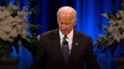 Joe Biden rend hommage à John McCain en évoquant la maladie qui a aussi emporté son