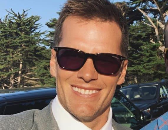 Tom Brady posts selfie with longtime rival