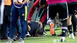 L'entraîneur du Besiktas évacué d'urgence après un match qui dégénère, son crâne recousu avec des