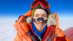 Él es el primer hombre en cruzar la Antártida sin