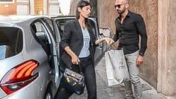 I social non perdonano a Virginia Raggi la borsa Kelly 32 di Hermès che costa migliaia di