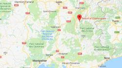 À Chamrousse, en France, une centaine de skieurs évacuée, sans incident, de télécabines en