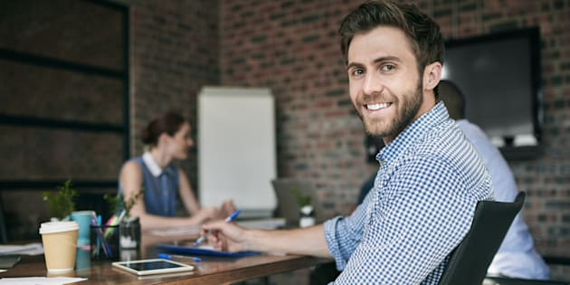 """4 situations où il faut savoir dire """"oui"""" au bureau. illustration"""