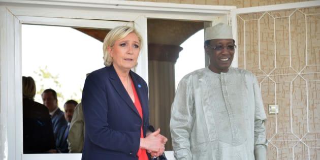 Marine Le Pen en compagnie du président tchadien Idriss Déby.