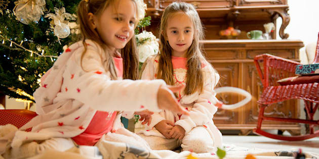 """Stop aux cadeaux """"genrés"""" pour les garçons et les filles à Noël, laissons-les décider!"""