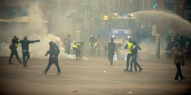 Des escarmouches ont eu lieu au capitole, la place principale de Toulouse, lors de l'acte IX de la mobilisation des gilets jaunes.