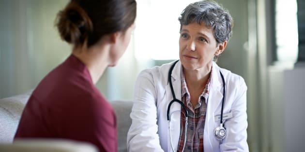 Il faut écouter, avec une distance raisonnable, un regard bienveillant (pas de je suis le médecin, je sais tout), mais circonspect.
