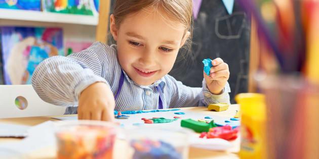 Seulement 60% des enfants de moins de 5 ans fréquentent un service de garde régi par le ministère de la Famille, plusieursne vivent donc pas cette expérience éducative avant l'école.