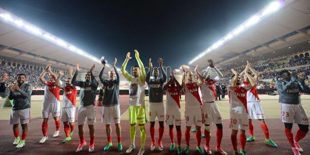 Les joueurs de l'AS Monaco fêtent leur victoire contre Lille le 14 mai 2017.