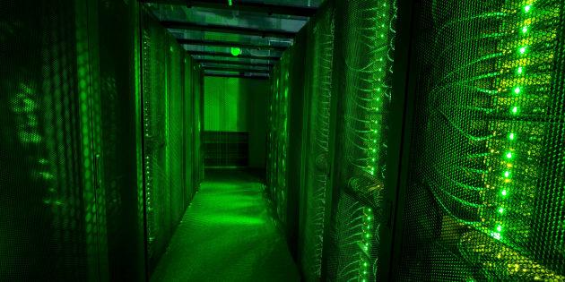 Ce qui assure la force du système de sécurisation de la blockchain, c'est son réseau décentralisé de serveurs et de participants répartis dans plusieurs régions du monde, qu'on appelle les mineurs.