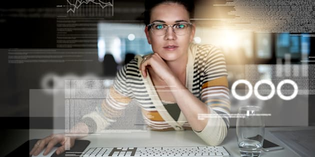 A educação de alta tecnologia para mulheres é fundamental.