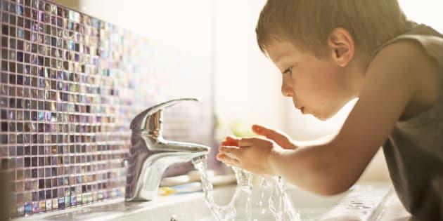 On a découvert une technique pour enlever 99% du Bisphénol A de l'eau en 30 minutes