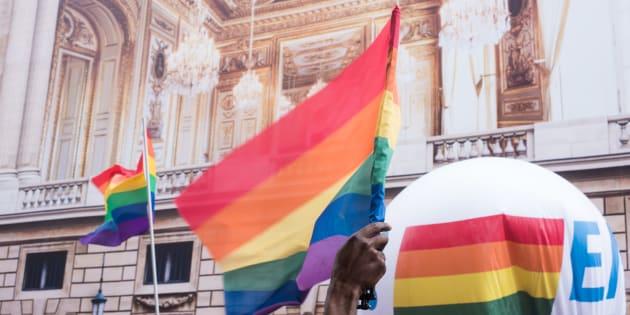Parce que les mémoires se meurent, voici 12 priorités pour les archives LGBTQI.