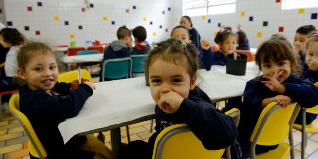 Como podemos fazer que o ensino público saia do papel e entre nas salas de aula de todo o País?