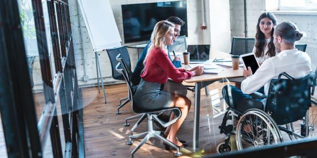 L'émergence d'une économie du numérique est à elle seule une chance unique pour créer des activités reposant sur des aptitudes cognitives et des relations de télétravail.