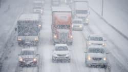 La tempête de neige provoque des pannes et des problème de