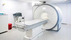 Un homme meurt après avoir été aspiré par un scanner