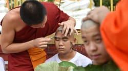 Thaïlande: tête rasée et monastère pour rendre hommage au plongeur