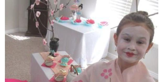 Une mère accusée de racisme à cause de la fête d'anniversaire japonisante de sa fille