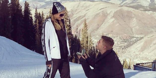 Paris Hilton s'est (déjà) fiancée à Chris Zylka !