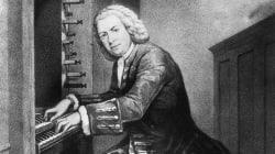 Ce pianiste joue du Bach chez lui, sa vidéo est censurée par