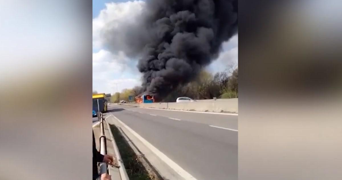 """Sequestra bus con bambini, poi dà fuoco al mezzo. Arrestato autista di origine senegalese: """"Vanno fermate le morti nel Mediterraneo"""""""