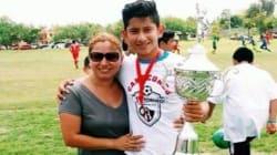 Joven futbolista y su madre son asesinados en carretera de