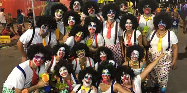 Ivete Sangalo se fantasia e vai curtir o carnaval na pipoca.