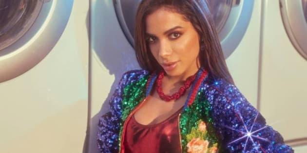 Articulista detalha a receita de sucesso da funkeira Anitta.