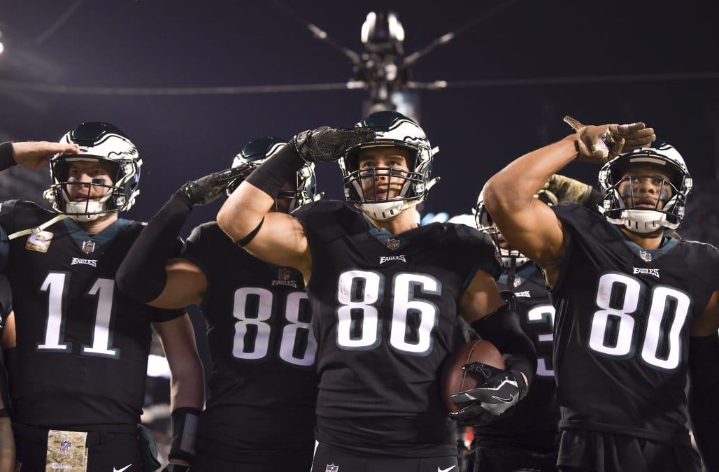 innovative design b3f33 76ce6 Eagles players salute crowd in nod to military on Veterans ...
