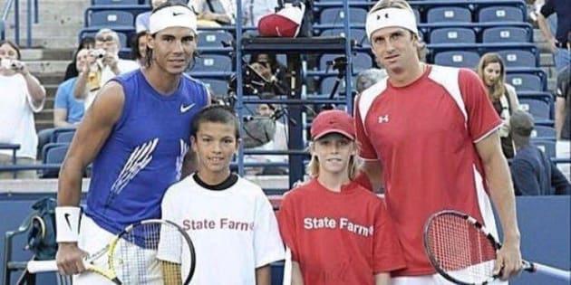 Sur cette photo de 2008, Nadal pose avec un enfant qui allait le vaincre 9 ans plus tard