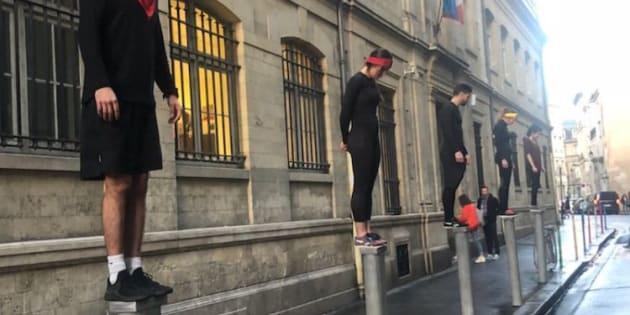 """TF1 tease la saison 20 de """"Koh Lanta"""" dans les rues de Paris, le 7 février 2019."""