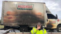 L'incendie d'un camion de donuts a plongé ces policiers dans une profonde