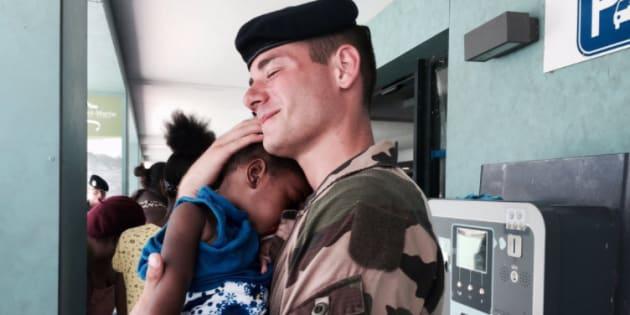 Non monsieur Schneidermann, la photo du soldat et de la fillette à St Martin n'est pas une image de propagande