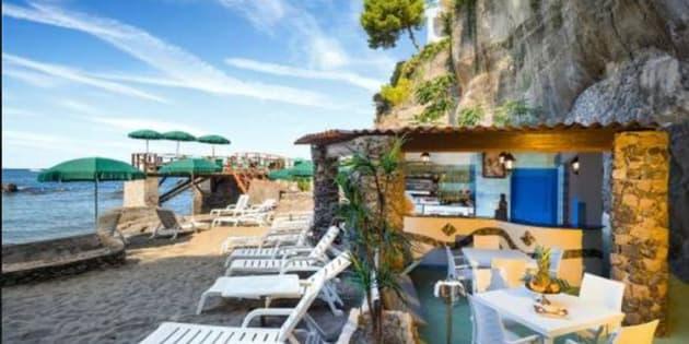 Situado a 30 quilômetros da capital Roma, o balneário é considerado um ambiente sem barreiras arquitetônicas e mentais.