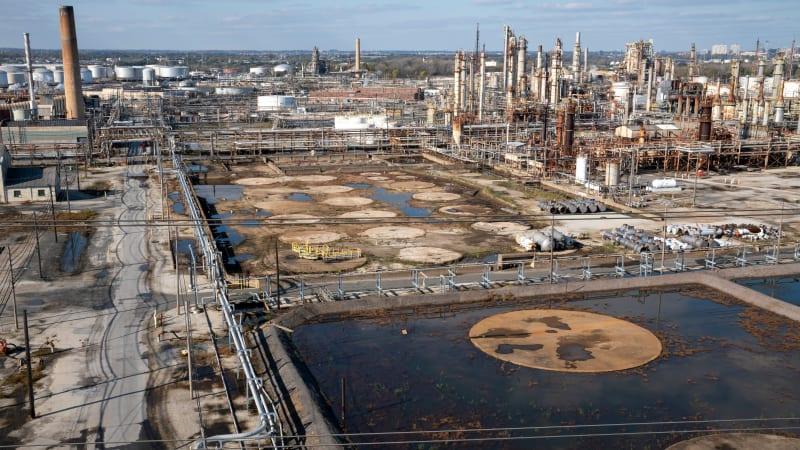150 лет разливов: очистка НПЗ в Филадельфии подчеркивает токсичное наследие ископаемого топлива