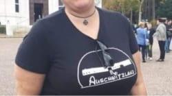 Finisce in Parlamento la maglietta con la scritta