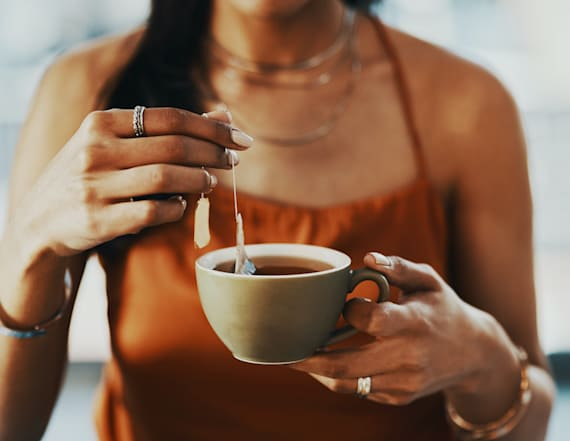 What is tummy tea? A doctor explains the health fad