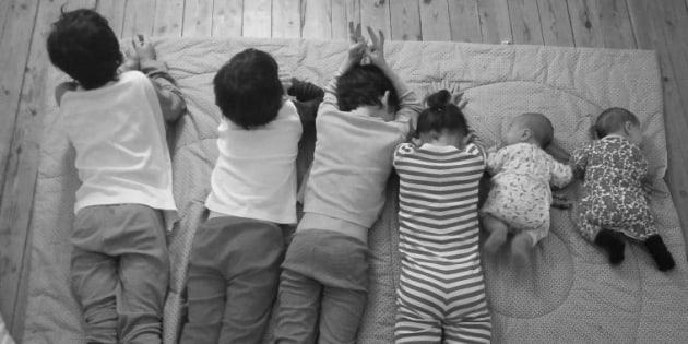 """Ce que j'ai appris en ayant 6 enfants en 3 grossesses """"naturelles""""."""