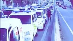 Les ambulanciers en colère bloquent le centre de