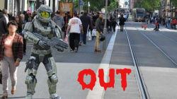 Déguisements, armes factices... Ce que vous avez le droit de faire (ou pas) dans la rue pour