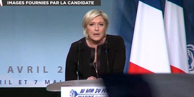 Marien Le Pen en meeting à Perpignan.