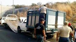 Hallan nueve cuerpos en camioneta abandonada en