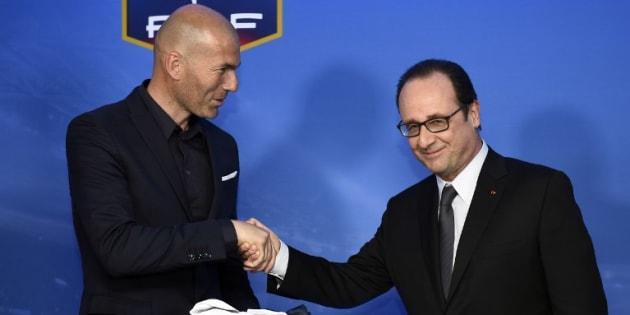 Zinédine Zidane et François Hollande au Stade de France en 2015.