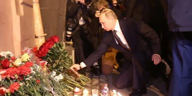 Poutine se recueille sur les lieux de l'attentat à Saint-Pétersbourg