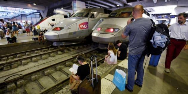 """À la Gare Montparnasse le trafic est encore """"très limité"""" à l'arrivée et au départ (photo prise samedi 27 juillet)."""