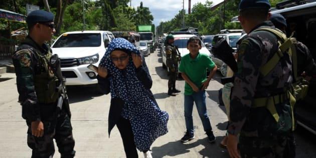 Aux Philippines, l'armée bombarde des islamistes proches de Daech