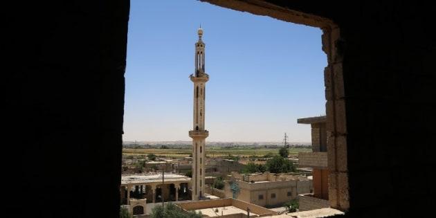 """Les forces de la coalition entrent dans la vieille ville de Raqqa, """"capitale"""" de Daech en Syrie"""