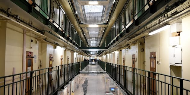 Des smartphones trouvés dans la cellule d'un détenu pour terrorisme à Fresnes