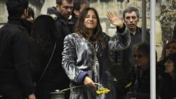 L'hommage rayonnant d'Izïa Higelin aux obsèques de son père Jacques